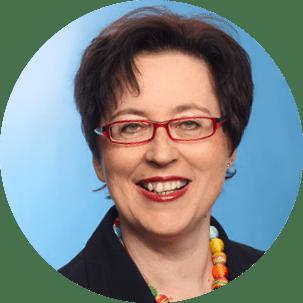 Porträtbild von Theresia Vogel, Geschäftsführerin des Klima- und Energiefonds